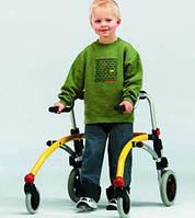 Задне-опорные ходунки для активных детей. R82 Crocodile Gait Trainer size 1