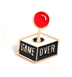 Брошь пин значок Game over Игра окончена