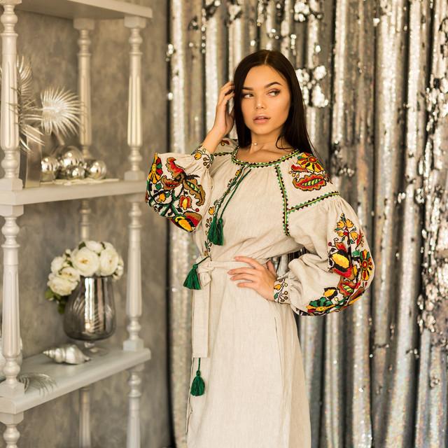 Длинное бежевое платья вышиванка Бохо Колорит