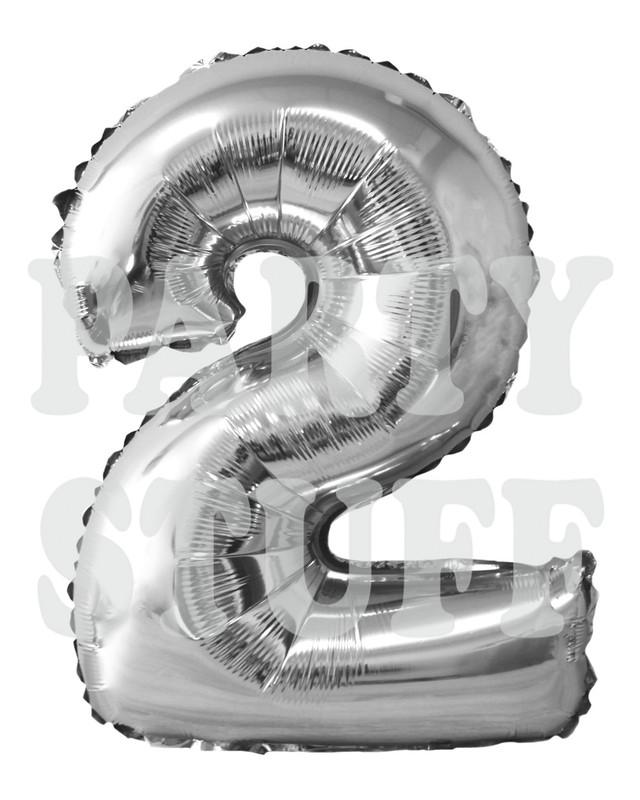 серебряная цифра 2 фольгированная