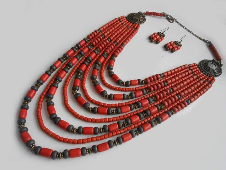 Керамическое украшение на шею