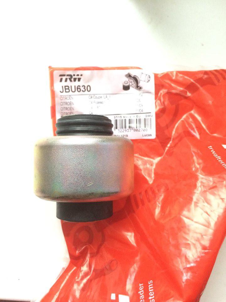 Сайлентблок переднего рычага передний (JBU630) TRW