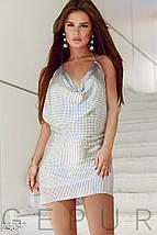 Красивое платье мини полуприталенное с открытой спиной без рукав серебристое, фото 2
