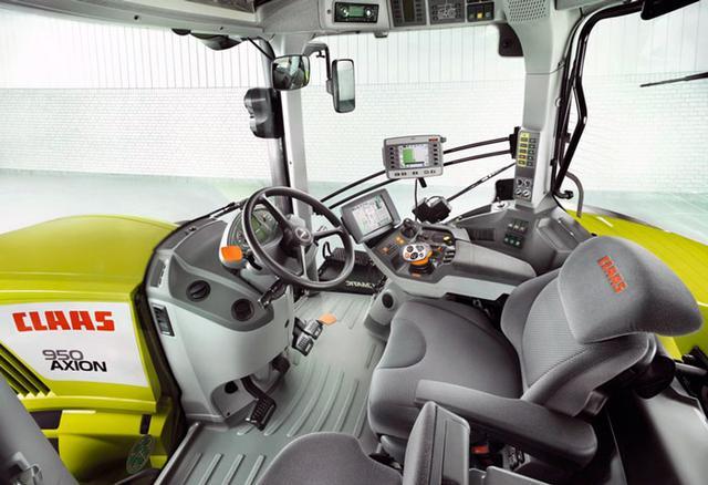 Фото кабины немецкого трактора Claas из Европы