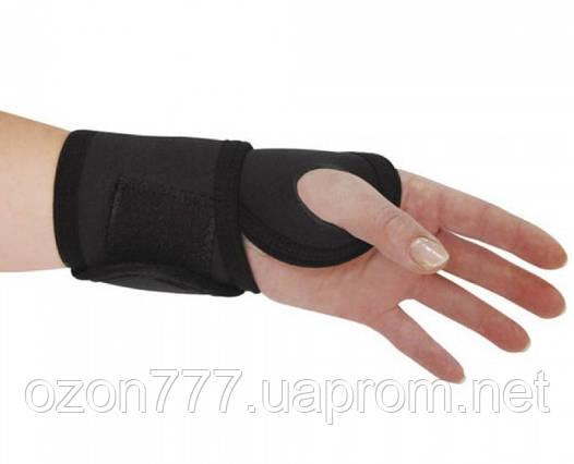 Бандаж на лучезапястный сустав с отведением большого пальца руки Алком 4068