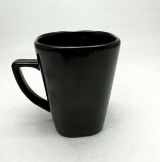 Кружка конус, цветная глазурь -черная, глянец 320 мл.