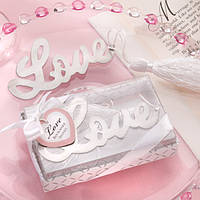 "Закладка для книги ""Love"""