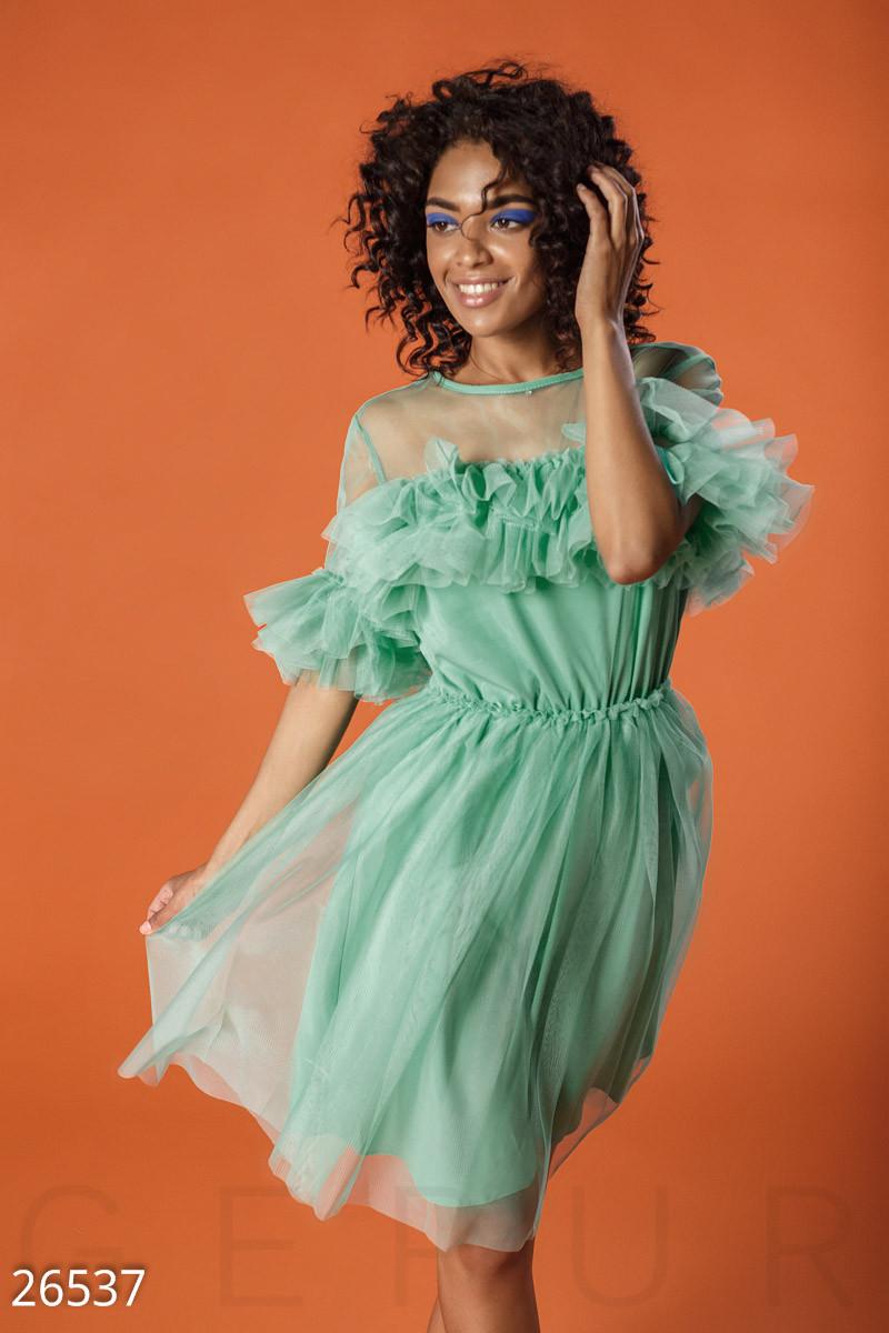 Красивое платье мини пышное рукав короткий однотонное мятное