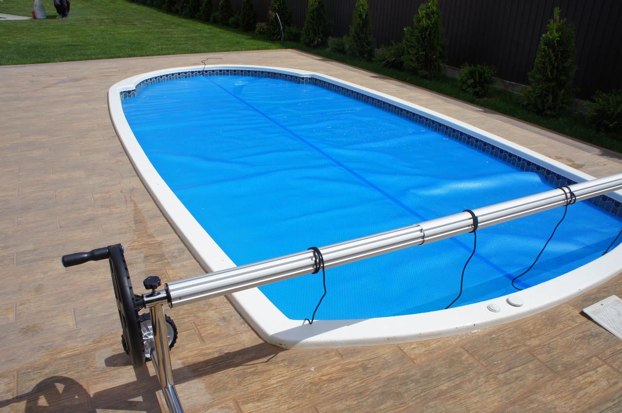 Голубая пленка для бассейна. Солярная пленка на бассейн.
