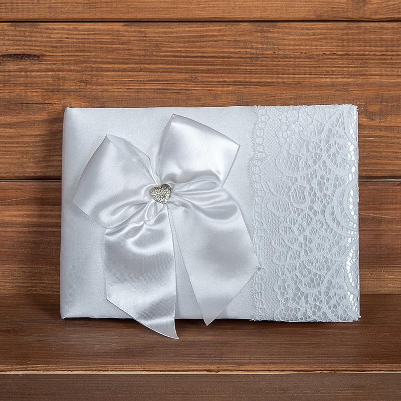 Весільна книга побажань в білому кольорі з мереживом