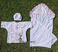 Набор для крещения белый, розовые рюшки (крыжма+рубашка на завязочках+чепчик с крестиком), фото 1