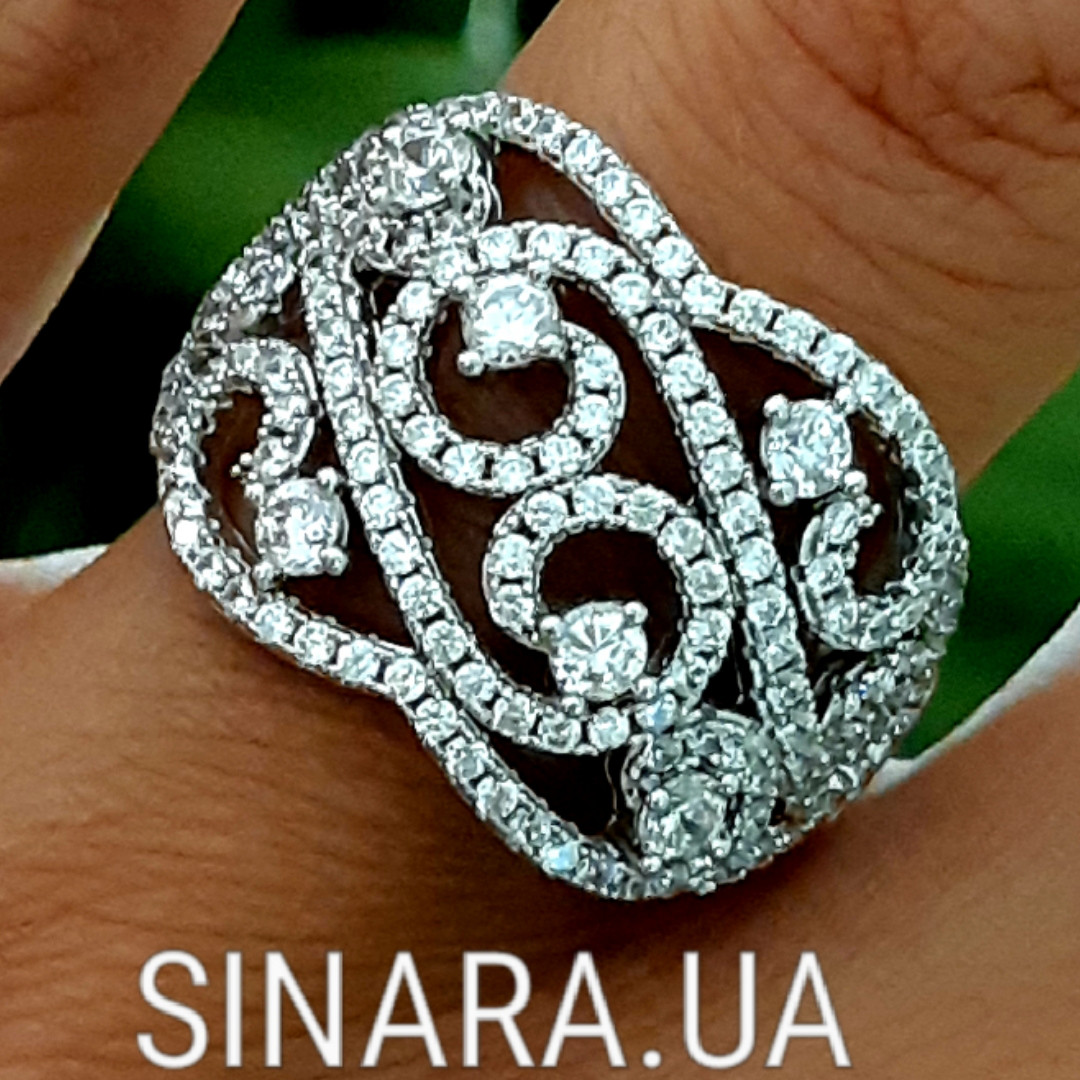 Роскошное серебряное кольцо с цирконием
