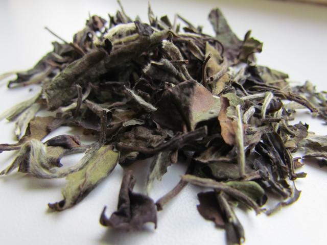 полезные свойства китайского чая Белый пион
