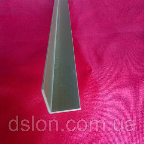 Уголок алюминиевый золото  20*20*1,5 мм