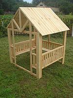 Домик из дерева для детской площадки