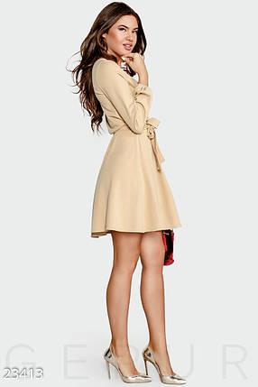 Демисезонное платье мини на запах с длинным рукавом кремовое, фото 2