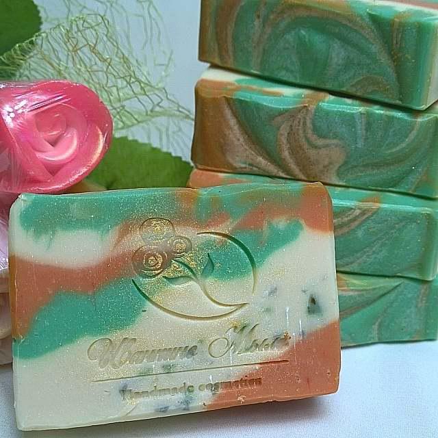 Натуральное мыло с экстрактом чистотела и косметическими глинами