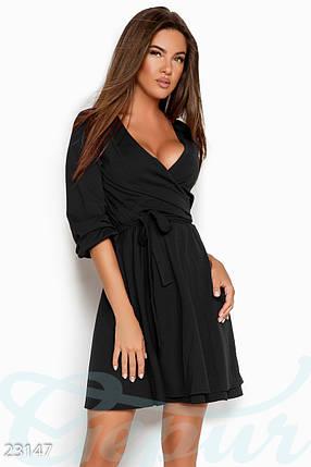 Демисезонное платье выше колен на запах юбка пышная однотонное черное, фото 2