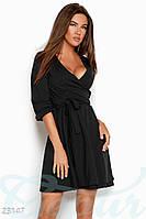 Демисезонное платье выше колен на запах юбка пышная однотонное черное
