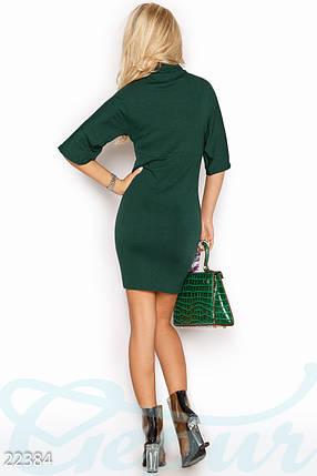 Модное платье на осень короткое по фигуре рукав до локтя однотонное под горло зеленое, фото 2