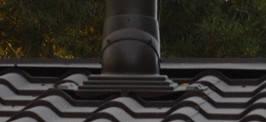 Для монтажа вентиляционного выхода использован проходной элемент для металлических кровель любого профиля. Устанавливается при монтаже и на готовую кровлю. Размер 355х460 мм.