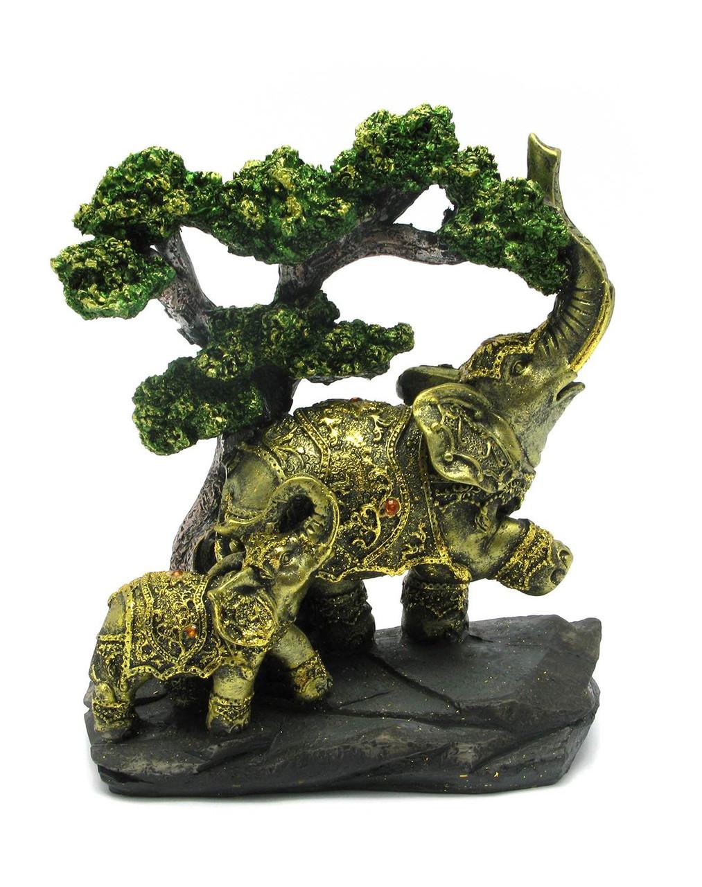 Фигурка слоны под деревом