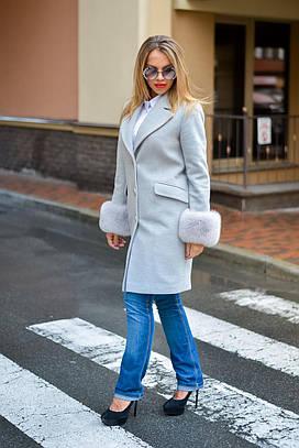 Пальто кашемировое с финским песцом