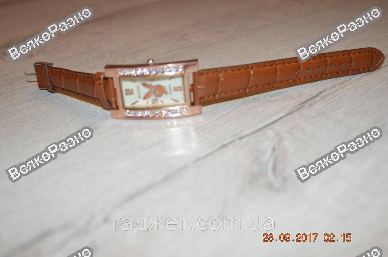 Женские часы с изображением зайца