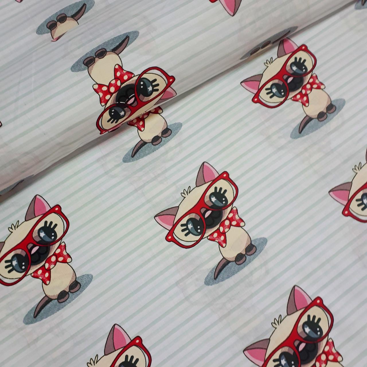 Хлопковая ткань польская коты в красных очках на мятной полоске