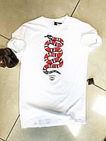 Мужская  футболка с  ярким принтом