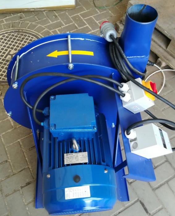 Зернодробилка молотковая дробилка ДКУ подрібнювач зерна 15 кВт