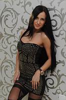 Маленькое черное платье украшенное мелкими металлическими вставками