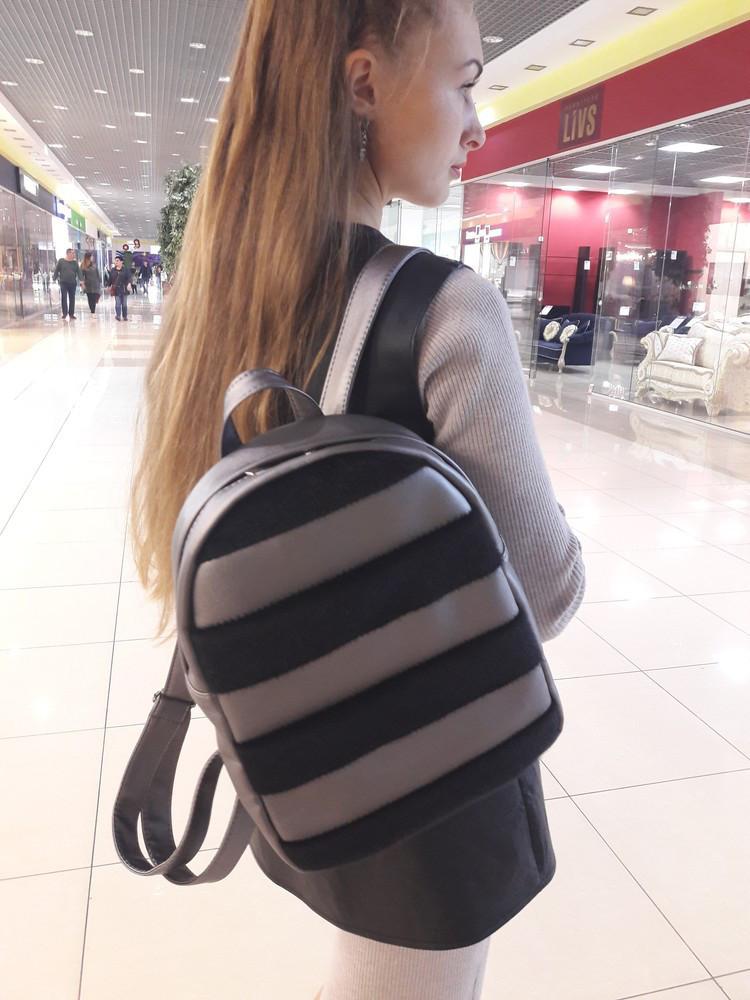 Женский рюкзак с мехом