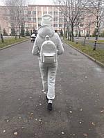 Вместительный женский белый рюкзак