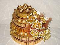 """Новогодний торт(3яруса) из конфет """"Золотой новый год """""""