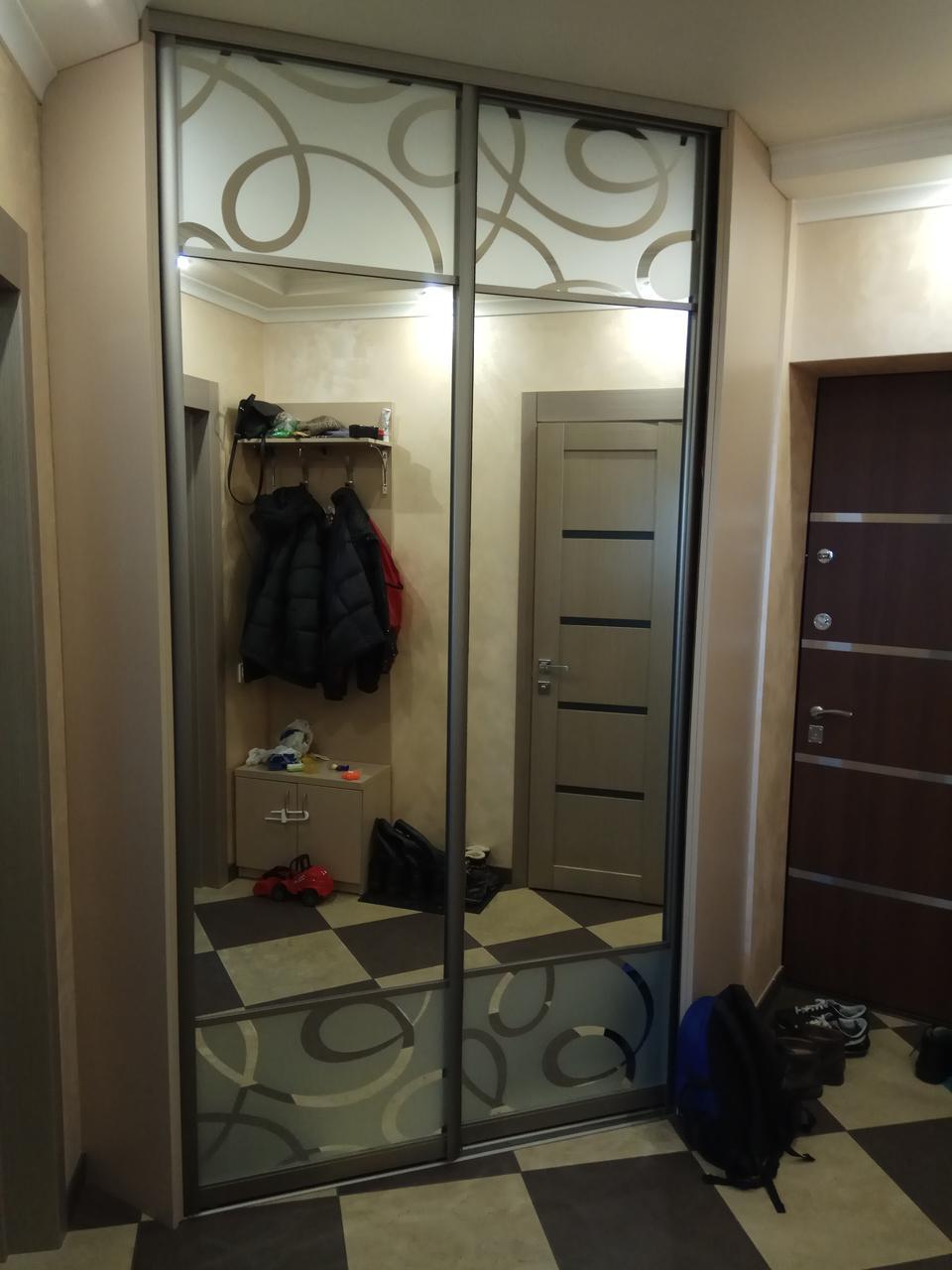 шкаф купе угловой в прихожую фасады зеркало пескоструй цена 15