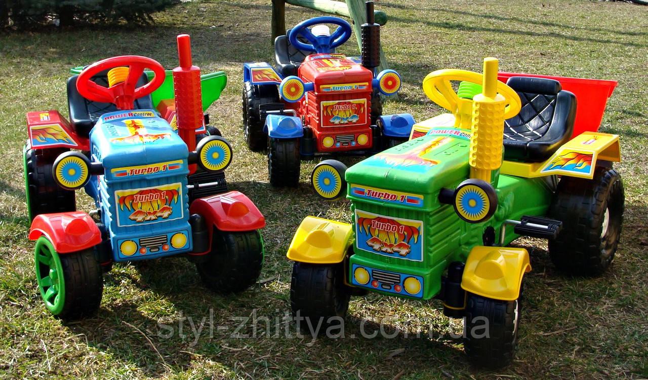 Дитячий педальний трактор з причепом