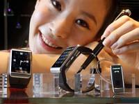 """Samsung патентует новый способ управления """"умными"""" часами"""
