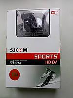 Фото передней части коробки Экшн-камеры SJ4000 SJCAM WiFi Фраза water-resistant написана без ошибок.