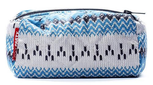 Женская косметичка дутая с принтом POOLPARTY COSMETICS BAGS Артикул: cosmetic-snowflakes