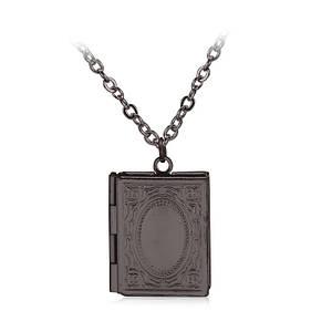 Медальон книга с местом для фото внутри черный