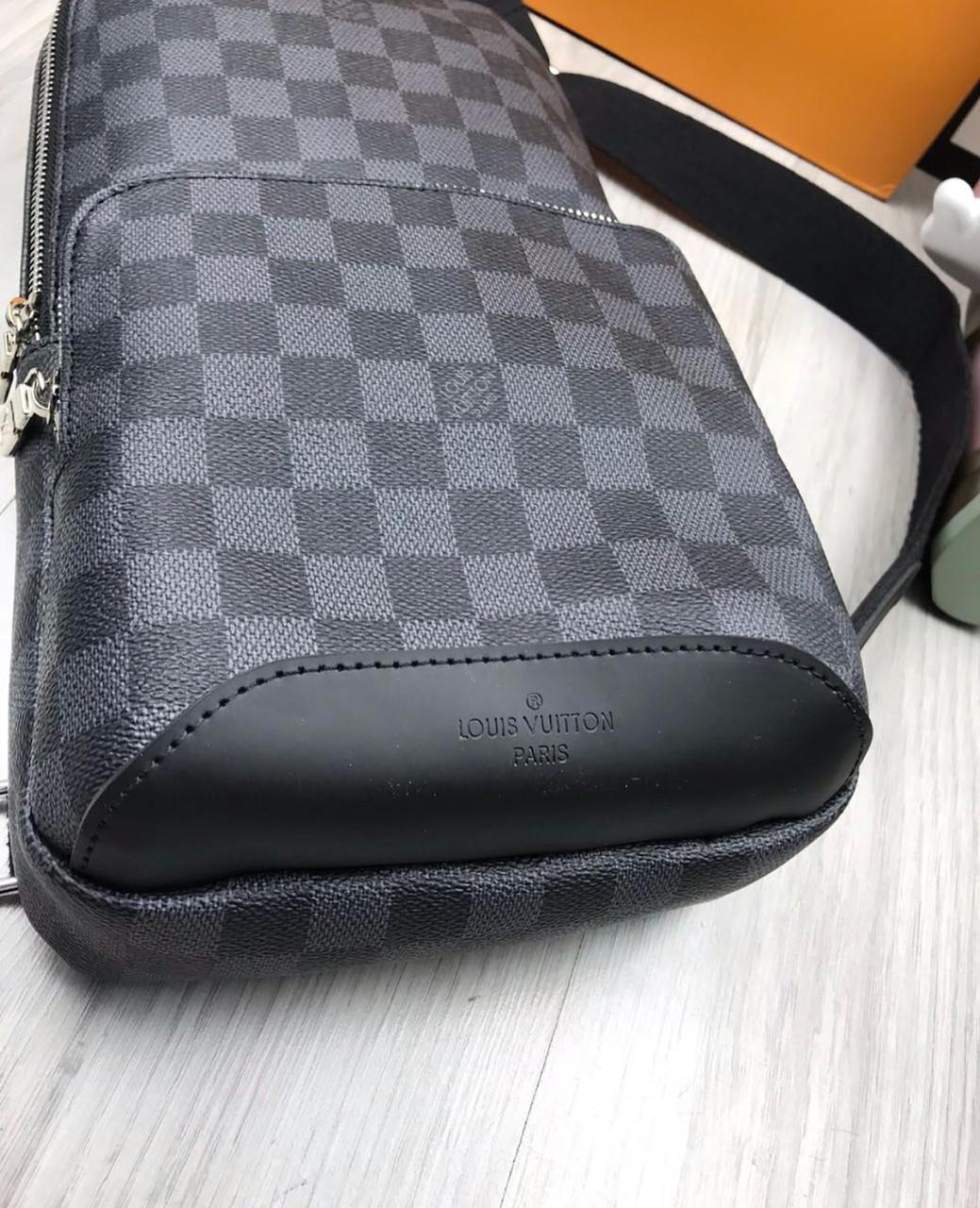 e076f5568369 ... фото Сумка мужская через плечо почтальенка брендовая Louis Vuitton  (слинг) копия высокого качества, ...