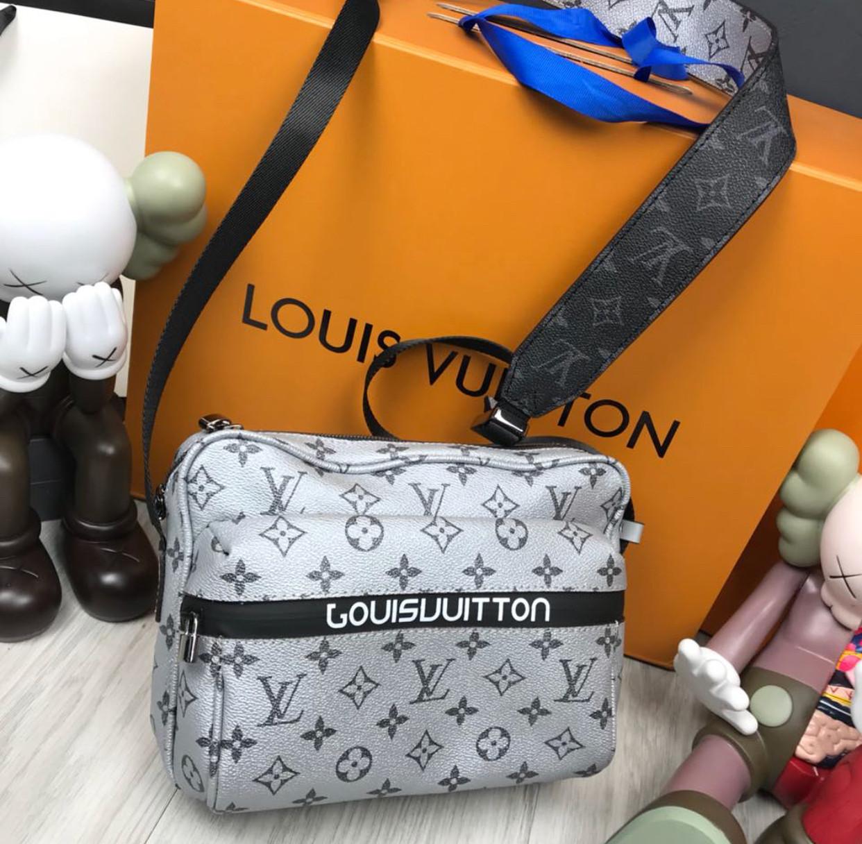 Сумка чоловіча через плече люкс копія брендова Louis Vuitton копія високої якості