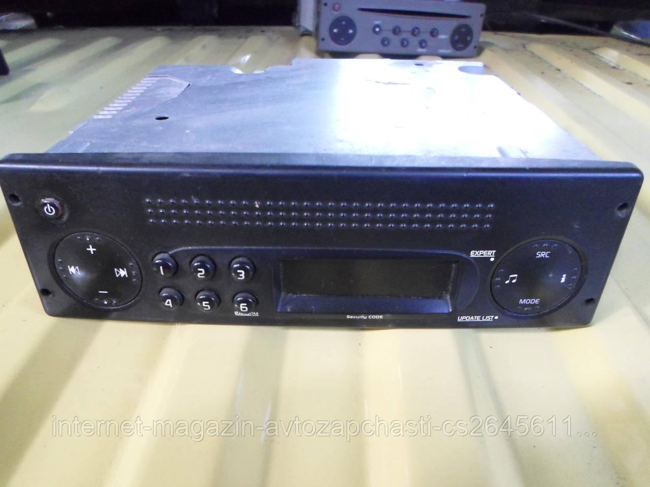 8200460706 Renault магнитола mascott dxi -fab-56a phase 3