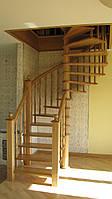 Лестница деревянная из массива ясеня в Киеве