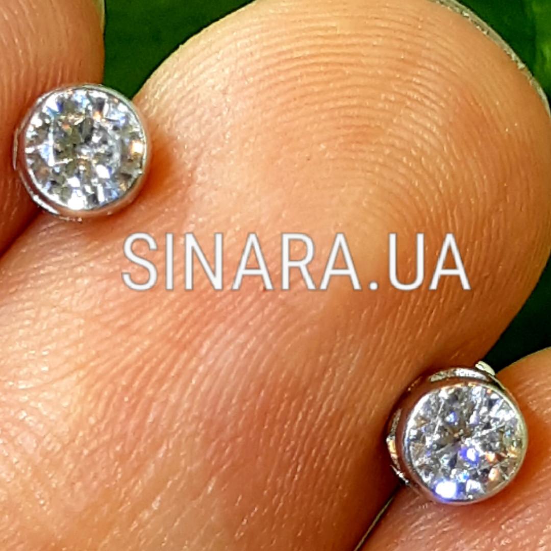 Серебряные серьги пуссеты c фианитом