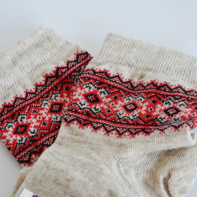 вязаные детские носки льняные с орнаментом