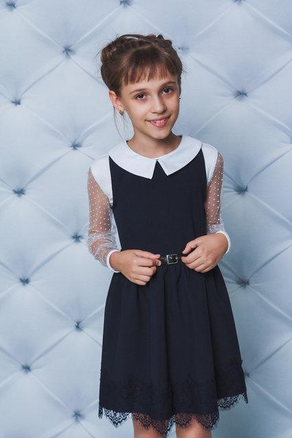 Школьное платье с белым воротничкоми рюшами