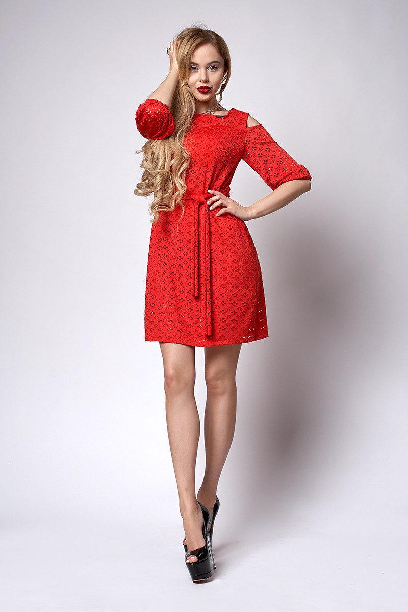 Красивое женское платье