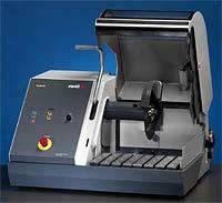 Станок комбинированный как для автоматической, так и для ручной резки. Discotom-6.